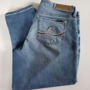 Seven7 Cropped Girlfriend Jeans  Size 8 Capri